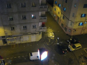 Last night there were some really heavy rain showers and thunderstorms and the roads around my hotel were flooded.