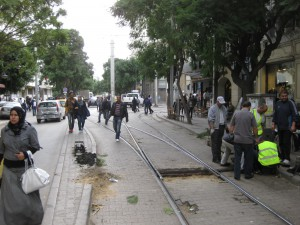 Tunis-workmen-changing-point-motor-street-view